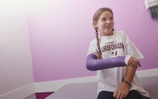 girl, girl with cast
